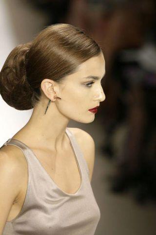 Ear, Lip, Hairstyle, Chin, Forehead, Shoulder, Eyebrow, Earrings, Style, Eyelash,