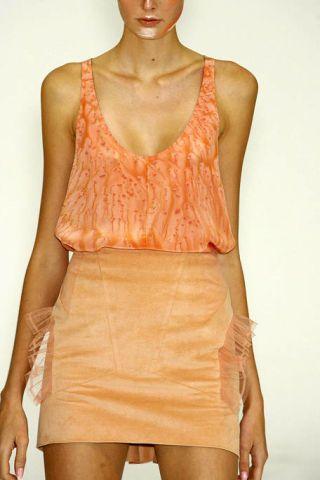 Brown, Sleeve, Shoulder, Joint, Standing, Human leg, Waist, Orange, Trunk, Chest,