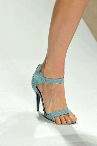 Leg, Human leg, Joint, Toe, High heels, Style, Sandal, Foot, Fashion, Azure,