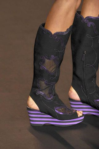 Purple, Joint, Violet, Fashion, Lavender, Fashion design, Leather, Ankle, Dancing shoe, Body jewelry,