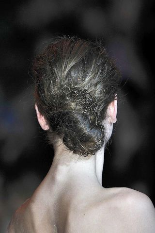 Ear, Hairstyle, Skin, Shoulder, Joint, Back, Style, Barechested, Black hair, Temple,