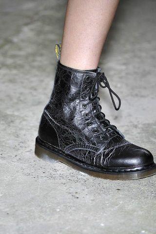 Brown, Style, Fashion, Black, Leather, Grey, Metal, Silver, Fashion design, Boot,