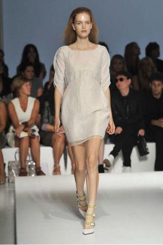 Clothing, Leg, Fashion show, Event, Runway, Shoulder, Human leg, Joint, Fashion model, Style,
