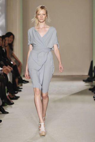 Clothing, Leg, Fashion show, Shoulder, Human leg, Joint, Runway, Style, Dress, Fashion model,