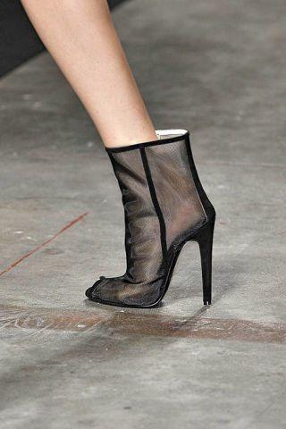 Human leg, High heels, Joint, Fashion, Black, Leather, Grey, Tan, Foot, Sandal,