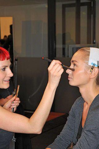 Finger, Eyebrow, Hand, Wrist, Eyelash, Nail, Makeup artist, Service, Makeover, Beauty salon,