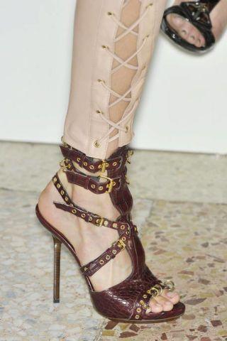 Footwear, Brown, Shoe, Joint, Human leg, Sandal, High heels, Style, Foot, Toe,
