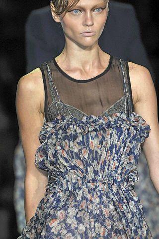 Clothing, Dress, Style, One-piece garment, Day dress, Fashion, Neck, Fashion model, Street fashion, Blond,