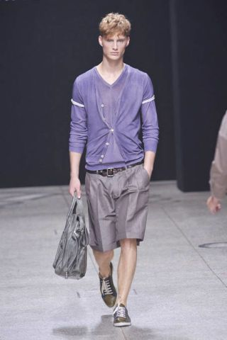 Clothing, Product, Sleeve, Shoulder, Shirt, Textile, Fashion show, Joint, Style, Bag,