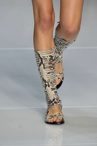 Human leg, Joint, Toe, Fashion, Foot, Sandal, Ankle, Calf, Silver, Bridal shoe,