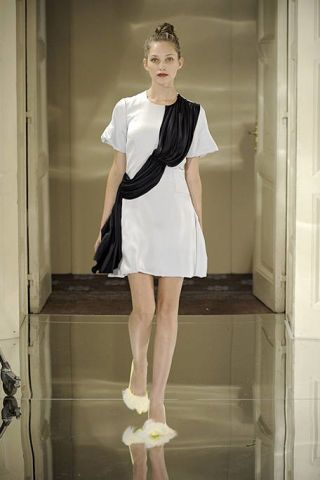 Clothing, Sleeve, Shoulder, Dress, Joint, White, Style, Formal wear, One-piece garment, Fashion,