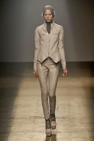 Clothing, Mouth, Brown, Sleeve, Human body, Fashion show, Joint, Outerwear, Runway, Style,