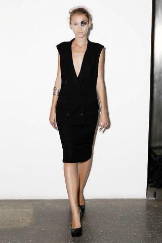Clothing, Sleeve, Human body, Human leg, Shoulder, Dress, Joint, Style, Waist, Fashion model,