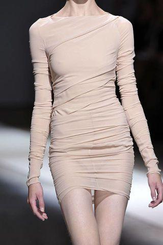Sleeve, Shoulder, Joint, White, Human leg, Dress, Waist, Pattern, Fashion, Thigh,