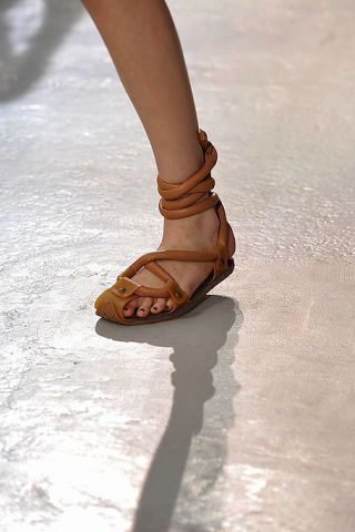 Brown, Human leg, Joint, Toe, Sandal, Tan, Foot, Beige, Ankle, Close-up,