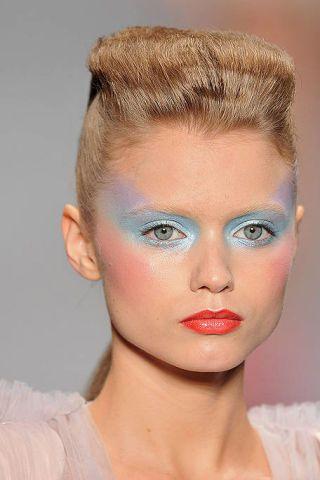 Lip, Hairstyle, Skin, Chin, Forehead, Eyebrow, Eyelash, Style, Beauty, Organ,