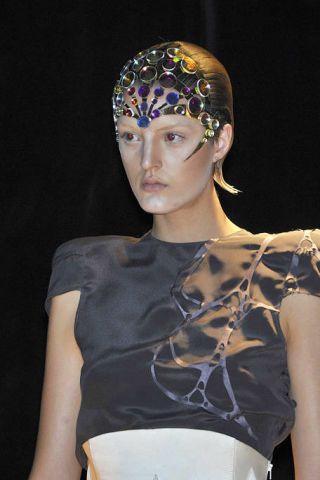 Headgear, Beauty, Fashion, Headpiece, Hair accessory, Fashion design, Makeover, Fashion model, Crop top, Croydon facelift,