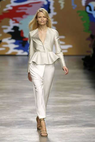 Clothing, Fashion show, Shoulder, Joint, Outerwear, Runway, Style, Fashion model, Fashion, Model,
