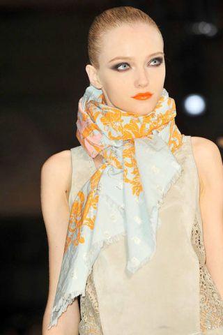 Lip, Style, Beauty, Wrap, Fashion, Neck, Eyelash, Fashion model, Street fashion, Model,