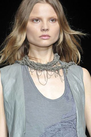 Clothing, Lip, Mouth, Hairstyle, Eyebrow, Style, Eyelash, Long hair, Beauty, Fashion,