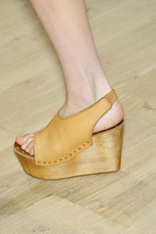 Footwear, Shoe, Joint, Khaki, Tan, High heels, Sandal, Foot, Fashion, Toe,