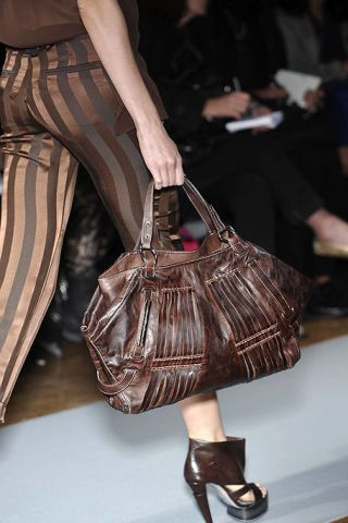 Brown, Bag, Textile, Style, Fashion accessory, Luggage and bags, Pattern, Fashion, Shoulder bag, Tan,