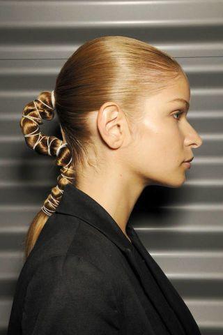 Ear, Hairstyle, Forehead, Eyebrow, Earrings, Style, Temple, Neck, Beauty, Eyelash,