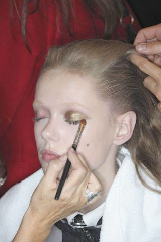 Hair, Head, Ear, Finger, Lip, Hairstyle, Skin, Forehead, Eyebrow, Eyelash,