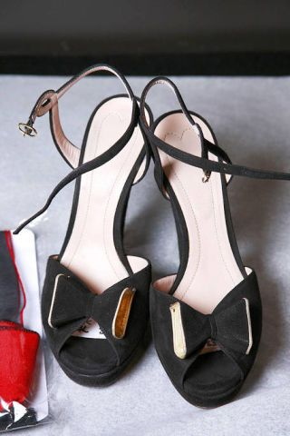 Brown, Sandal, Basic pump, Fashion, Black, Tan, Dancing shoe, High heels, Fashion design, Strap,