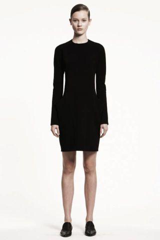 Clothing, Leg, Sleeve, Human leg, Human body, Shoulder, Standing, Photograph, Joint, Dress,