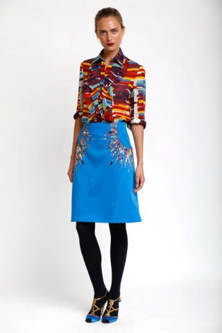 Clothing, Blue, Sleeve, Shoulder, Textile, Joint, Standing, Style, Pattern, Electric blue,