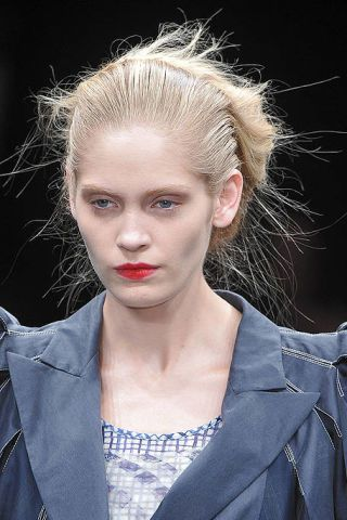 Clothing, Hair, Ear, Lip, Hairstyle, Forehead, Eyebrow, Eyelash, Style, Jaw,