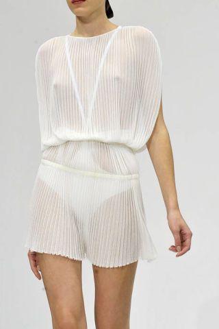 Sleeve, Human leg, Shoulder, Standing, Textile, Joint, White, Waist, Elbow, Collar,