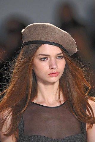 Lip, Brown, Cap, Headgear, Street fashion, Beret, Beauty, Fashion, Neck, Eyelash,