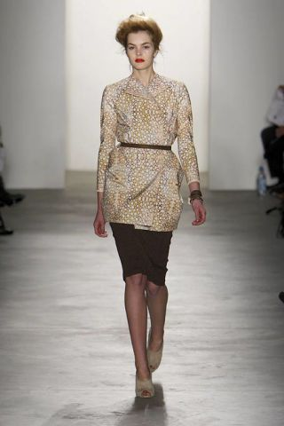 Brown, Sleeve, Shoulder, Fashion show, Human leg, Joint, Waist, Runway, Style, Fashion model,