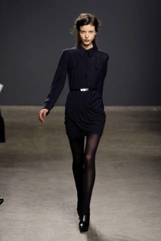Sleeve, Shoulder, Standing, Joint, Fashion show, Style, Formal wear, Fashion model, Waist, Knee,