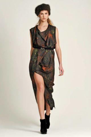 Clothing, Leg, Sleeve, Human body, Shoulder, Human leg, Textile, Joint, Dress, Style,