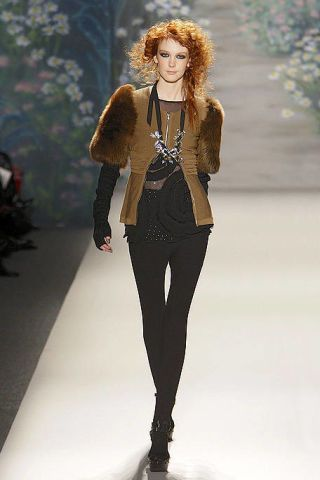 Clothing, Human, Leg, Brown, Winter, Shoulder, Fashion show, Textile, Joint, Outerwear,
