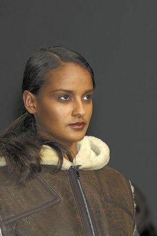 Lip, Hairstyle, Eyebrow, Style, Fashion, Beauty, Black hair, Fur, Portrait, Long hair,