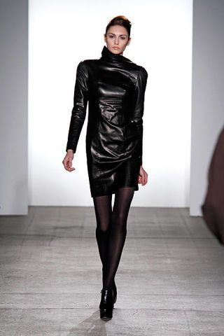 Textile, Joint, Latex, Style, Fashion model, Leather, Fashion, Fashion show, Beauty, Black,