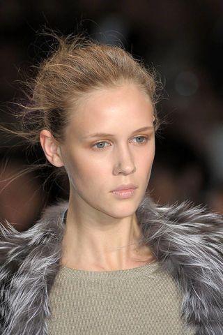 Hair, Face, Nose, Ear, Lip, Hairstyle, Skin, Chin, Eyebrow, Eyelash,
