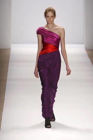 Fashion show, Human body, Shoulder, Textile, Joint, Runway, Waist, Style, Fashion model, Purple,