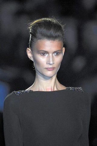 Ear, Lip, Hairstyle, Eyebrow, Earrings, Style, Eyelash, Black hair, Fashion, Beauty,