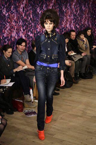 Face, Leg, Trousers, Denim, Shirt, Textile, Outerwear, Jeans, Style, Black hair,