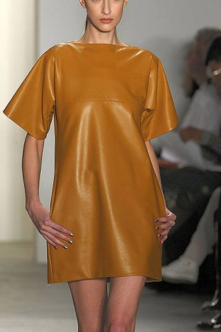 Leg, Sleeve, Shoulder, Joint, Dress, One-piece garment, Fashion, Neck, Day dress, Thigh,