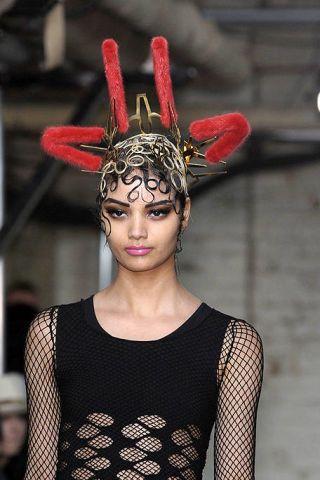 Headpiece, Hair accessory, Headgear, Costume accessory, Fashion, Body jewelry, Fashion design, Fashion model, Model, Makeover,
