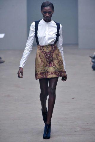 Clothing, Sleeve, Joint, Style, Street fashion, Knee, Fashion, Neck, Fashion show, Runway,