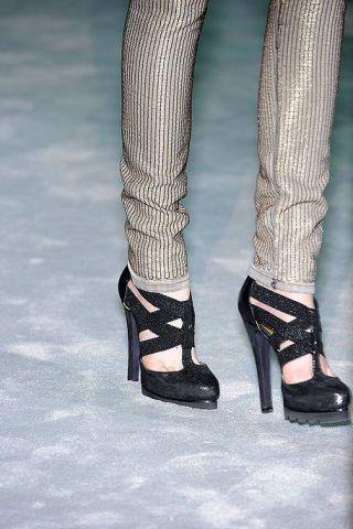 Leg, Human leg, Joint, Style, Fashion, Black, Sandal, Foot, Monochrome, Black-and-white,