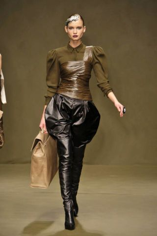 Brown, Sleeve, Textile, Joint, Style, Leather, Latex, Fashion, Black, Waist,