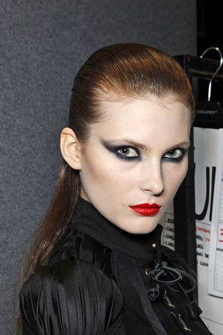 Ear, Lip, Hairstyle, Forehead, Eyebrow, Eyelash, Style, Beauty, Eye shadow, Fashion,